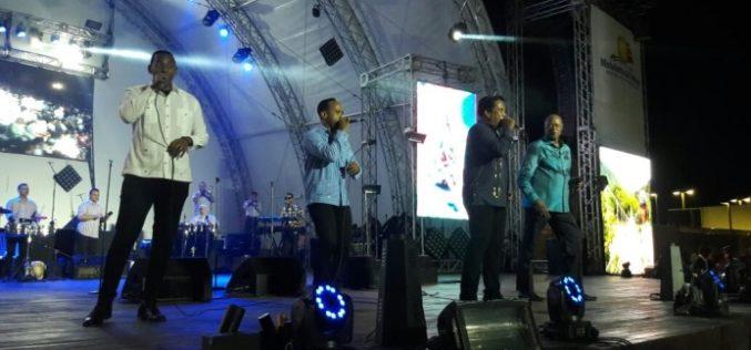 Johnny, Wilfrido, La Vieja Fefa, Kinito y Kiko El Presidente…!! Merengue por un tubo e el anfiteatro de Puerto Plata…!!