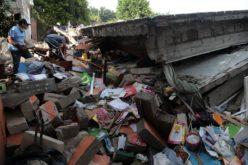 Aumenta a 318 la el número de muertos por terremoto de 7.1 en México