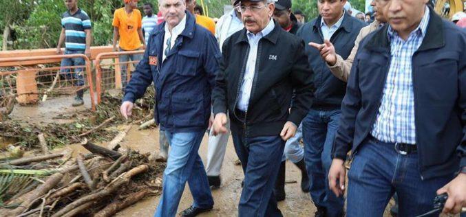 Presidente Danilo Medina recorre Miches, Samana, Nagua, Moca, San Francisco y otras zonas golpeadas por el huracán María