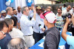 Luis Abinader propone dominicanizar el trabajo agrícola en la frontera; promueve inscripciones en el PRM