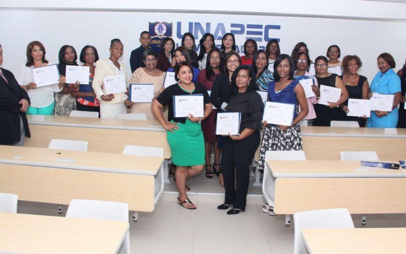 Fundación Belcorp, comprometida con el desarrollo de la mujer, realiza graduación
