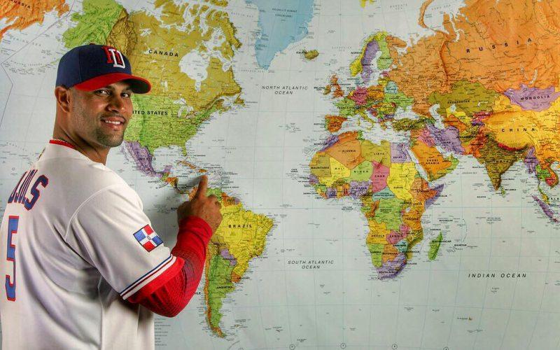 Albert Pujols promoviendo a RD, su tierra, con un mapa…
