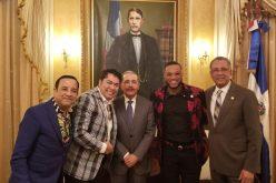 El Pachá logra oootro encuentro con el presidente Medina; esta vez junto al estelar pelotero Robinson Cano