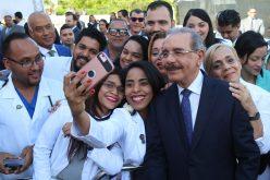 """""""Un selfie con Danilo…!"""" El hombre mantiene su popularidad…"""