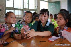 Para que estudiantes puedan dormir más, en China retrasan horario de entrada a escuelas y reducen tareas