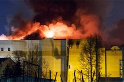 Va por 48 el número de muertos por incendio en centro comercial de Rusia