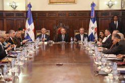 (Video) Presidente Medina emite decreto para renovación automática de registros sanitarios