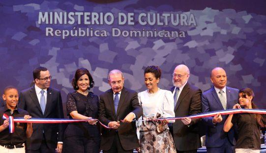 Presidente Medina encabezó acto inaugural Feria del Libro Santo Domingo 2018