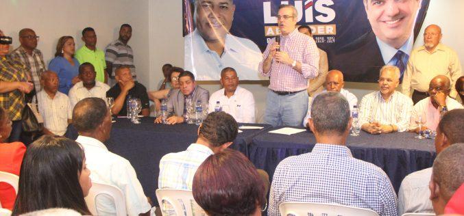 """Luis Abinader considera inaceptable una Ley de Partidos hecha """"como traje a la medida de un sector"""""""