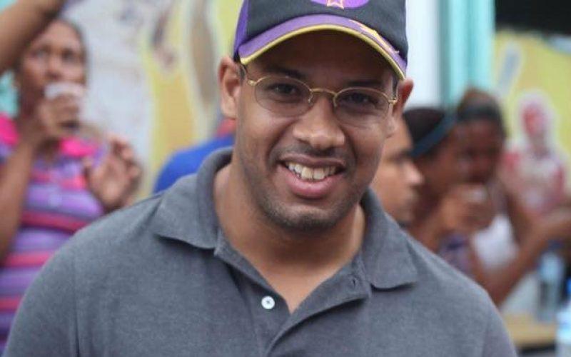 """(Video) Le """"echaron el guante"""" en NY a Argenis Contreras, acusado asesinato de Yuniol Ramírez"""