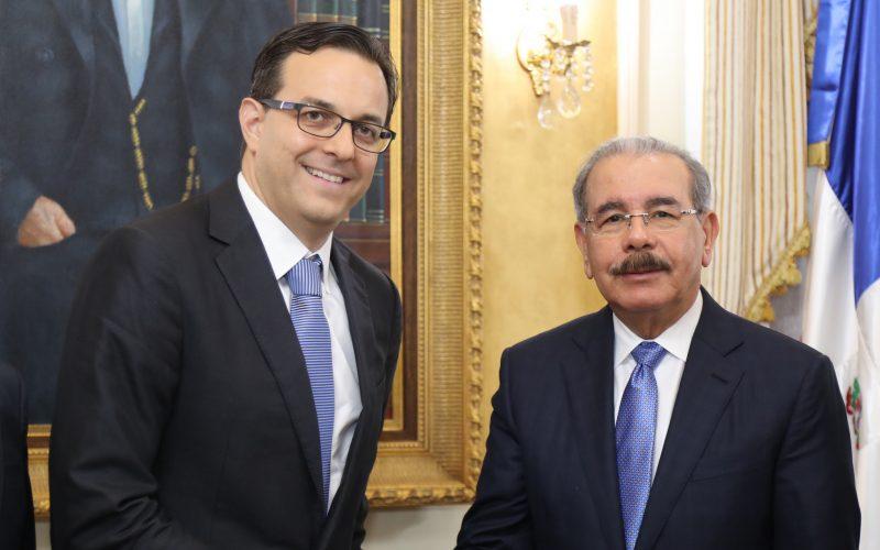 Director de Nestlé en RD, Haití y Cuba recibido por el presidente Danilo Medina