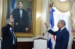 Osmar Benítez juramentado como ministro de Agricultura por el presidente Danilo Medina