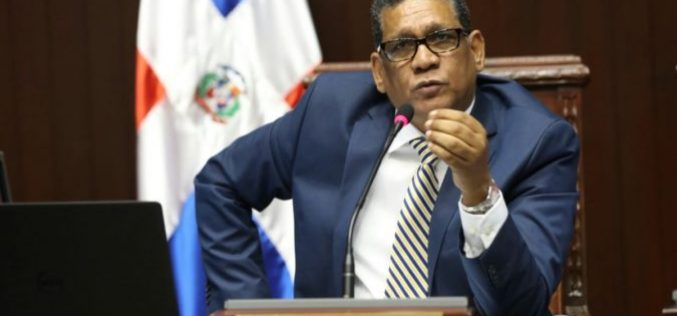 Presidente Cámara de Diputados aclara no ha dicho estar de acuerdo conque cada partido elija su padrón