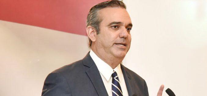 Luis Abinader dice PRM ha librado larga lucha por aprobación Ley Partidos, pero Danilo y Leonel en el PLD no tienen interés en su aprobación