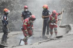 Cifra de muertos sube a 99 por volcán de Fuego en Guatemala