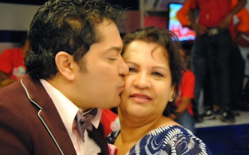 """Doña Luchy, la mamá de El Pachá, le ruega a su hijo: """"Tú tienes que descansar, por favor; la salud 'ta primero que todo"""""""