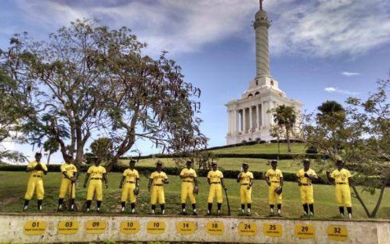 La Plazoleta de Las Águilas Cibaeñas es toda una atracción en el área del Monumento de Santiago
