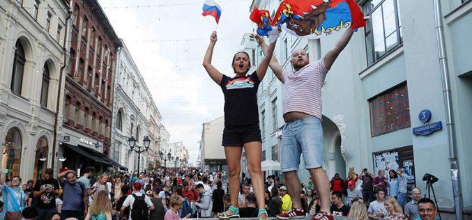(Video) Los rusos celebraron en grande el triunfo de su selección sobre España este domingo