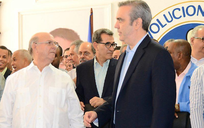"""Luis Abinader tendrá que especializarse en """"partidera de pescuezo"""" para ganarle la candidatura presidencial del PRM a Hipólito"""