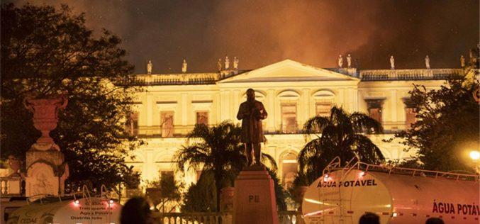 """""""Pérdida incalculable"""" por fuego en Museo Nacional, sostiene el presidente de Brasil, Michel Temer"""