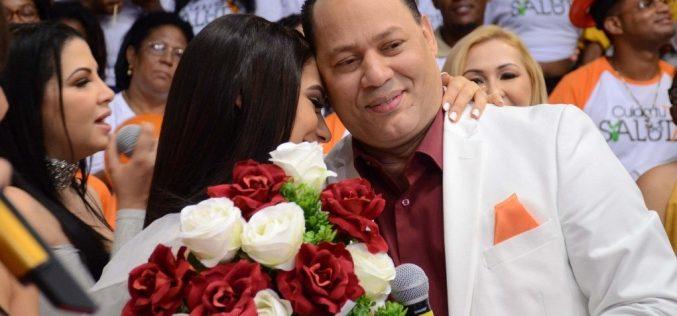 Franklin Mirabal le dijo a su esposa que para «pegarse» en los medios tiene que «acabar con todo el mundo, pleitos y escándalos», o esperar dos años de trabajo; ella prefirió lo último