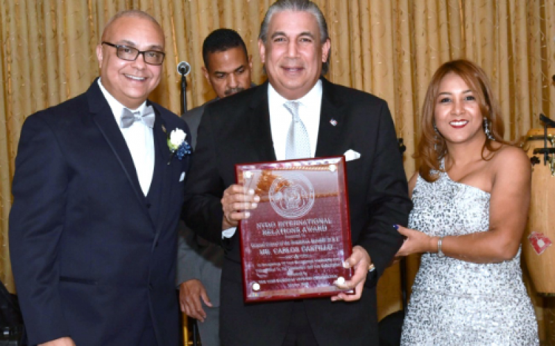 Carlos Castillo, cónsul de RD en NY, reconocido por el Departamento de Policía de esa urbe y por Oficiales Dominicanos