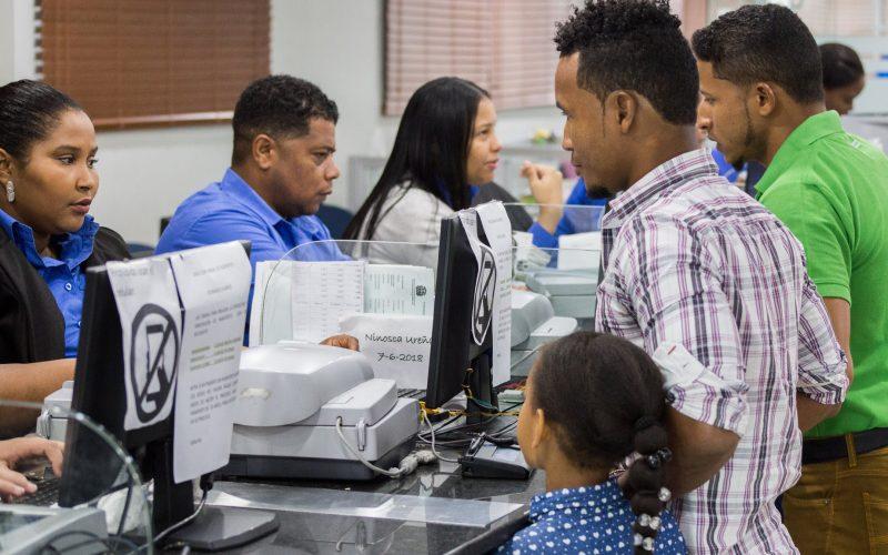 Migración RD informa ya usuarios pueden solicitar permiso de salida de menores del país vía Internet