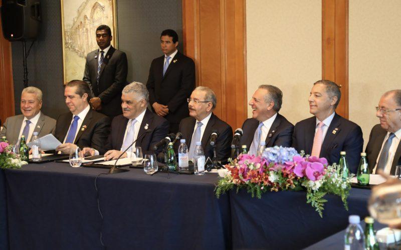 "La catalogan como ""fructífera e histórica""; concluyó la primera visita de Estado del presidente dominicano Danilo Medina a China"