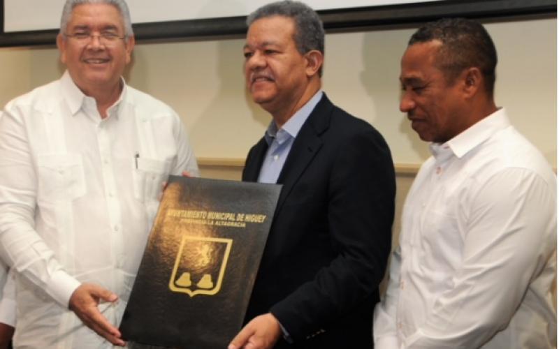 Leonel propone nueva ley de incentivo turístico