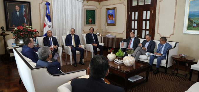 """¡Los pesos del Gobierno…! Danilo """"chequea"""" las recaudaciones del 2018 y tantea cuánto puede conseguir en el 2019"""