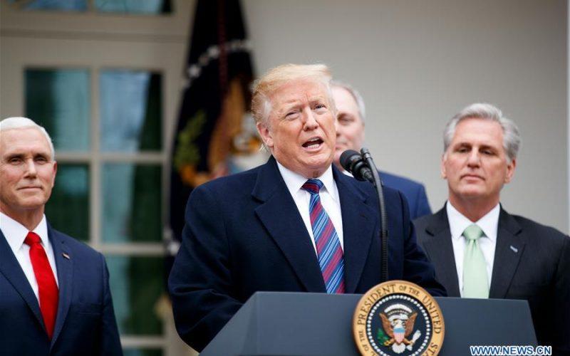 Donald Trump ve lento financiamiento del muro y acabar con cierre del gobierno