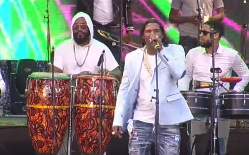 (Video) Omega en la fiesta Telemicro, la más grande fiesta de Navidad y Año Nuevo del pueblo dominicano