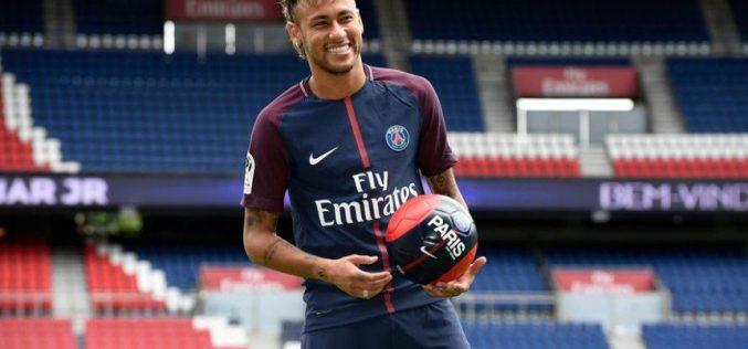 Por lesión en pie derecho, Neymar no podrá jugar durante 10 semanas