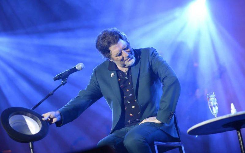 (Video) A los 70 se puede pasar revista a la vida… EL MÁS GRANDE, Joaquín Sabina, cumple 60 y 10… ¡Lo mejor para él…!