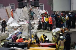 Colapsó edificio de apartamentos en Estambul; hay 14 muertos y 14 heridos