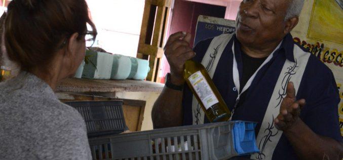 Un ingeniero bioquímico cubano que cura con plantas medicinales… ¿Hasta el cáncer…?
