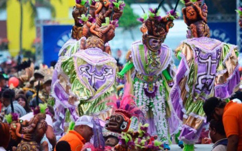 (Video) El carnaval de Puerto Plata disfrutado y celebrado por turistas
