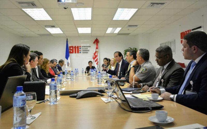 """Ministro de la Presidencia pide a telefónicas más control para activación de celulares """"maco"""""""
