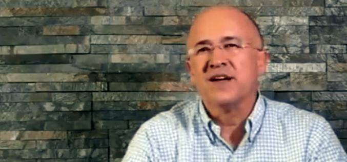 """(Video) Domínguez Brito propone como solución """"darle fuego"""" a todo lo corrupto que tiene dentro; la división es la gran realidad del PLD"""