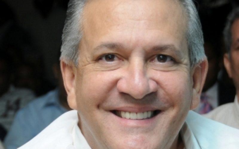 (Video) El cantante Raúl Grisanty celebra condena a Alvarito Arvelo por difamación a Rafael Solano; le advierte no hablar de él ni de su familia porque le daría «una tabaná»