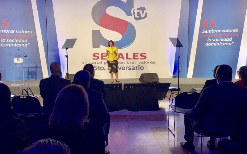 La celebración del 5to. aniversario de Señales TV con la conferencia de la vice Margarita Cedeño sobre la siembra de valores
