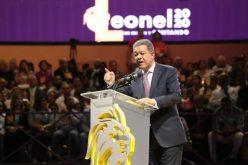 ¿Por qué tantos artistas urbanos en el acto de Leonel…? Al aspirante presidencial le atrae el botín de votos de los millenials y los z en el 2020 y quiere conectar con ellos