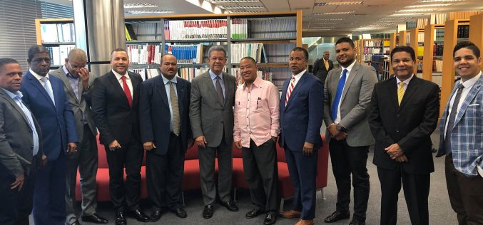 Dirigentes de diferentes partidos pasan a apoyar el proyecto presidencial Leonel 2020
