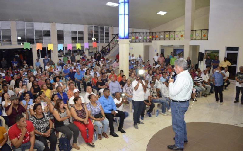 En Santiago, Fernando Rosa pide no dejarse engañar por quienes desde la alcaldía prometen y no cumplen