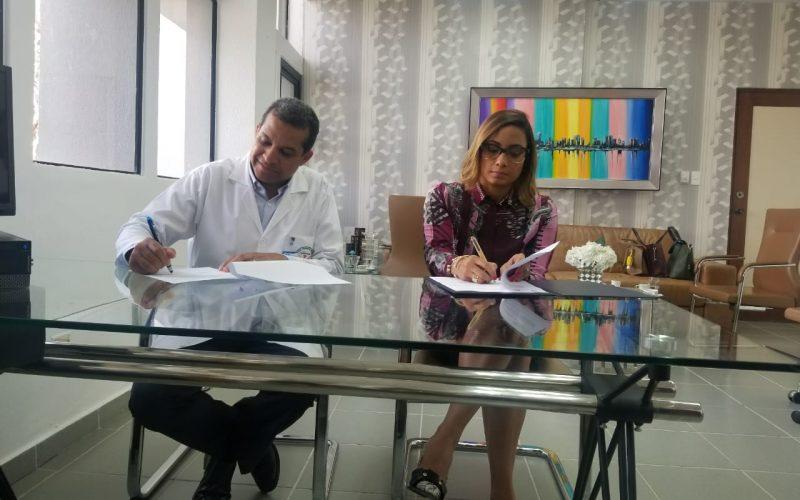 Fundación Pedro Martínez firma acuerdo con Hospital Vinicio Calventi para asistir en salud a más de 250 niños