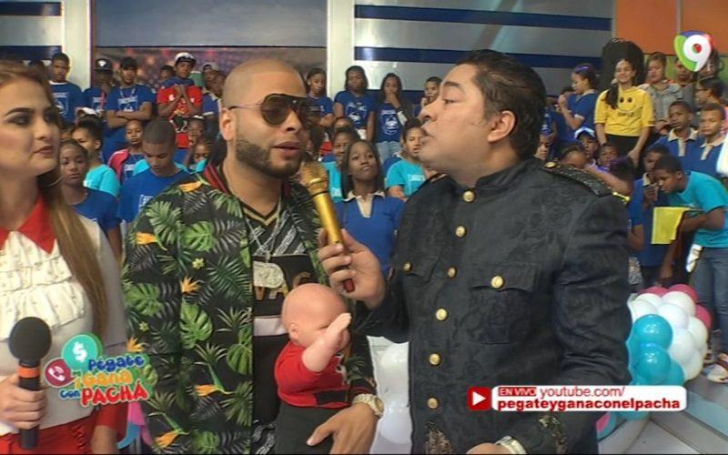 (Video) A Alá Jazá le encantó la felicitación que le envió Sergio Vargas en Pégate y Gana con El Pachá; la de Kinito, como que no…