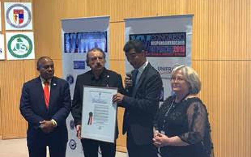 El periodista Ignacio Ramonet recibe reconocimiento en la ciudad de New York