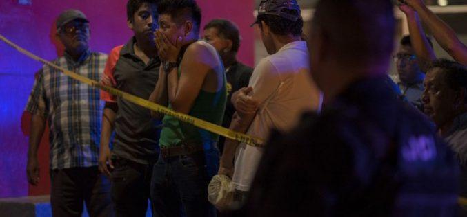 Con ataque de disparos y fuego matan a por lo menos 26 personas en el bar «Caballo Blanco» de Coatzacoalcos, en Veracruz, México