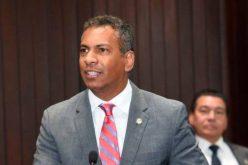 A Demóstenes Martínez le van a «hacer coca» con la presidencia de la Cámara de Diputados