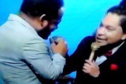 (Video) Yiyo Sarante dando «un boche» por televisión